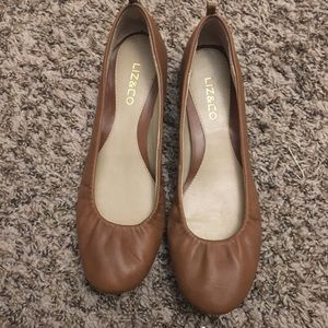 Liz and Co tan / brown dress flats 8.5